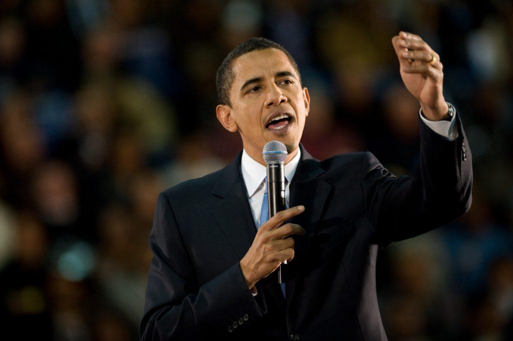 Il ritorno di Barak Obama e il confronto con Donald Trump