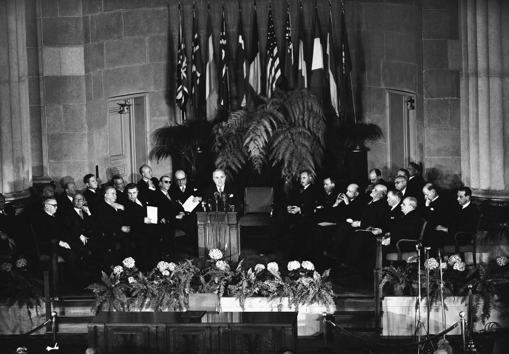 Il 2019, i 70 anni dalla nascita della NATO e i 30 dalla caduta del Muro di Berlino