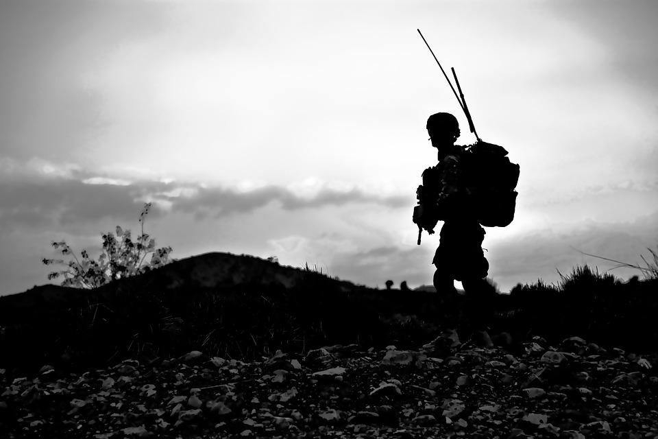 Nato, Stati Uniti e talebani: il compromesso per uscire dall'Afghanistan. L'analisi di Claudio Bertolotti
