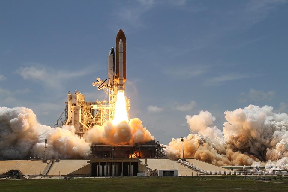 Come le grandi potenze corrono verso lo spazio