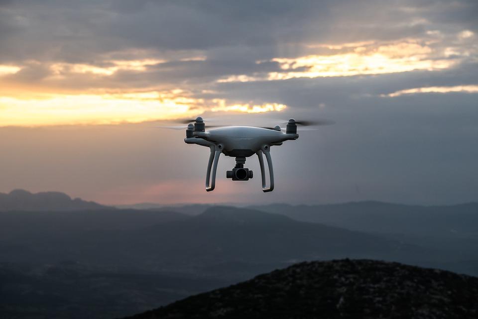 Come si costruisce un drone: applicazioni, rischi e possibili minacce alla sicurezza.