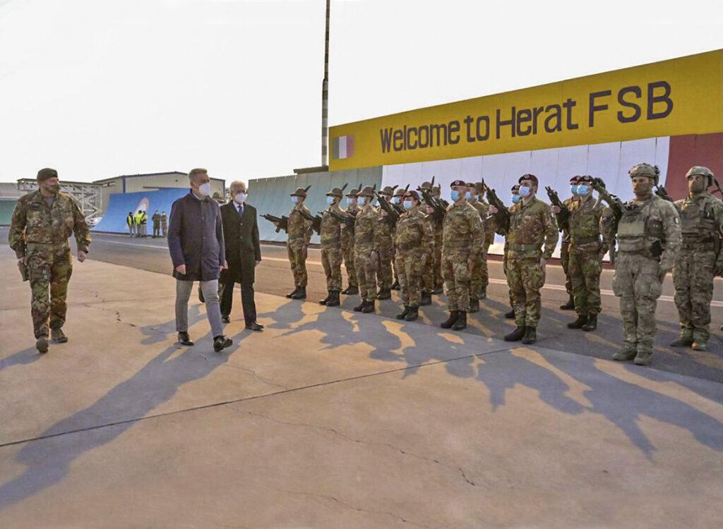 Afghanistan: la visita di Guerini a Kabul, il ruolo dell'Italia e la NATO