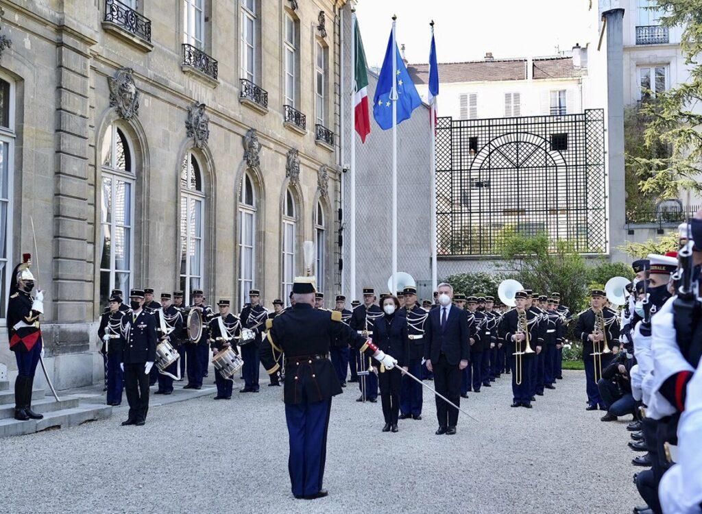 Il confronto tra Italia e Francia e il ruolo della Difesa. L'incontro a Parigi tra Guerini e Parly