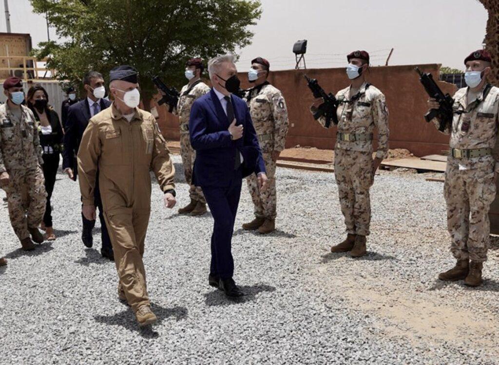 L'impegno italiano in Sahel: la visita di Guerini in Niger e Mali